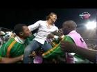 Hervé Renard fête la victoire avec ses joueurs 20120212 CAN 2012